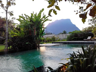 Doi Chiang Dao resort with pool